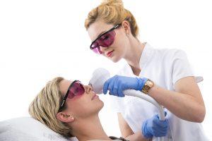 pigmentvlekken verwijderen gezicht